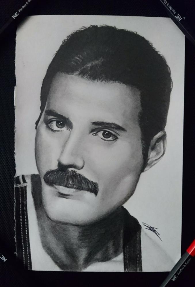 Freddie Mercury par homedoge16